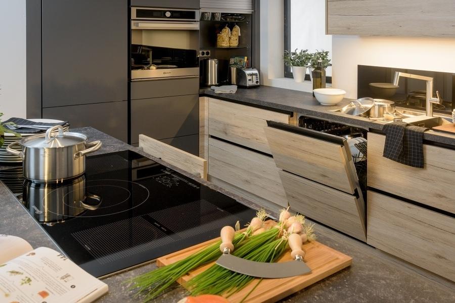 Küchen und Mehr - Küchen individuell und preiswert vom Schreiner ...